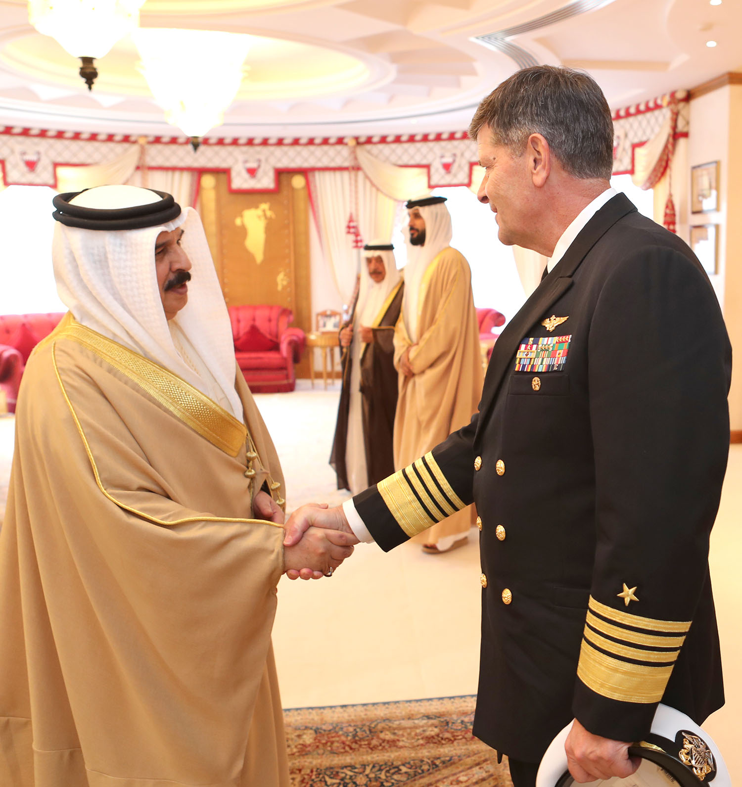 HM King meets US Vice-Chief of Naval Operations | Bahrain